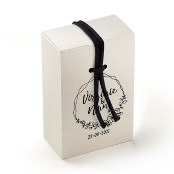 Idée cadeau invités mariage personnalisé boite-cordon version quartz blanc